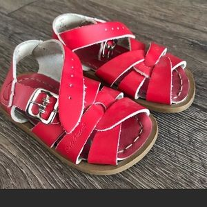 Red Saltwater Sandals Size 5